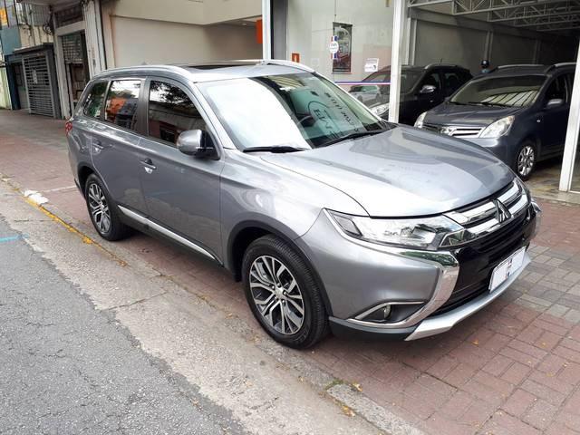 //www.autoline.com.br/carro/mitsubishi/outlander-20-16v-gasolina-4p-automatico/2017/sao-paulo-sp/12697659