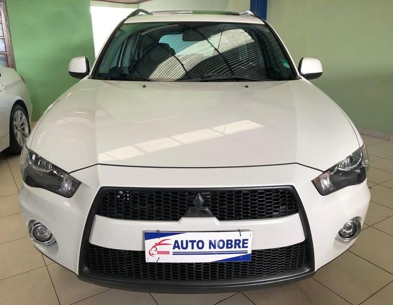 //www.autoline.com.br/carro/mitsubishi/outlander-20-16v-gasolina-4p-automatico/2012/curitiba-pr/12883281