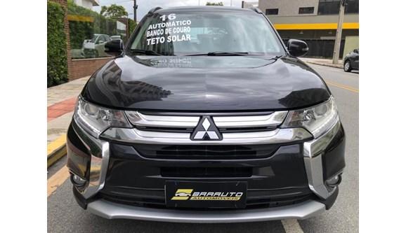 //www.autoline.com.br/carro/mitsubishi/outlander-20-16v-4x2-cvt-160cv-4p-gasolina-automatico/2016/sao-jose-sc/12958330