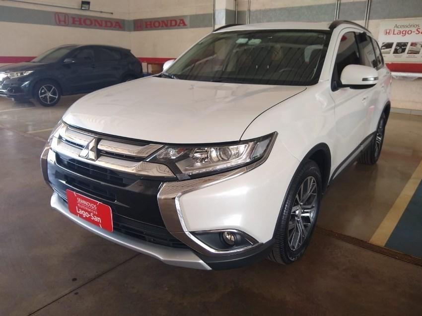 //www.autoline.com.br/carro/mitsubishi/outlander-20-16v-4x2-cvt-160cv-4p-gasolina-automatico/2016/ribeirao-preto-sp/13073012