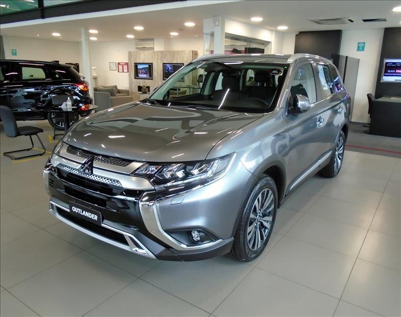 //www.autoline.com.br/carro/mitsubishi/outlander-30-hpe-s-24v-gasolina-4p-automatico-4x4/2020/sao-paulo-sp/13150193