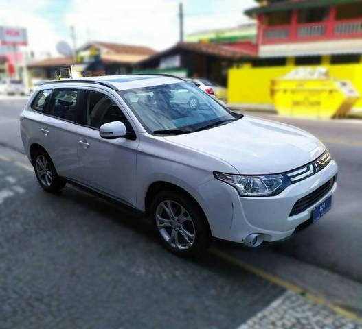 //www.autoline.com.br/carro/mitsubishi/outlander-20-16v-gasolina-4p-cvt/2014/caraguatatuba-sp/14028511