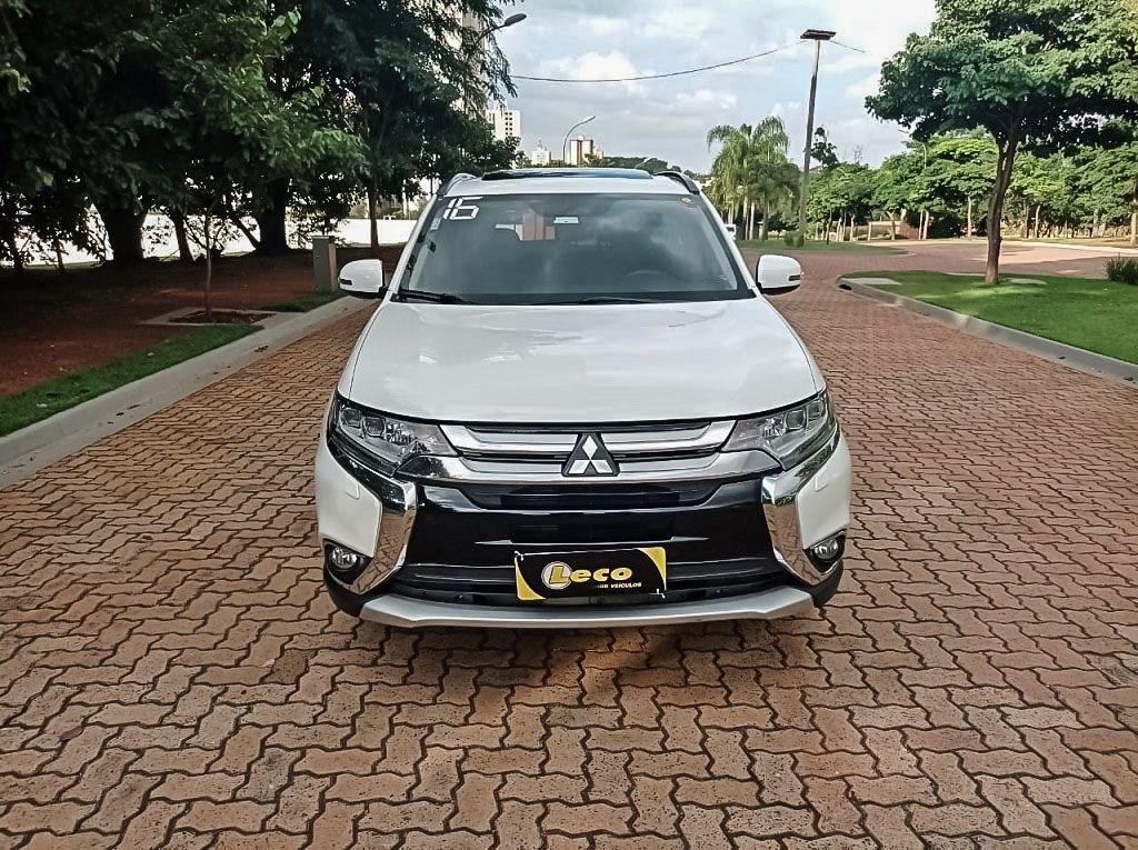 //www.autoline.com.br/carro/mitsubishi/outlander-30-v6-gt-24v-gasolina-4p-4x4-automatico/2016/ribeirao-preto-sp/14305091