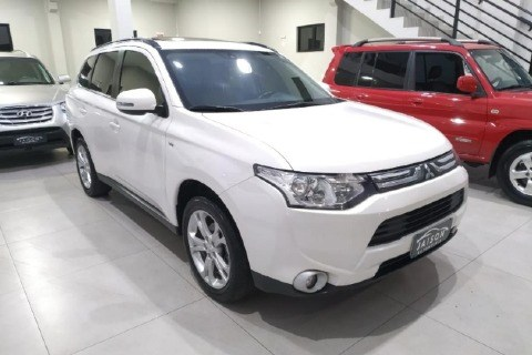 //www.autoline.com.br/carro/mitsubishi/outlander-30-v6-gt-24v-gasolina-4p-4x4-automatico/2015/criciuma-sc/14323822