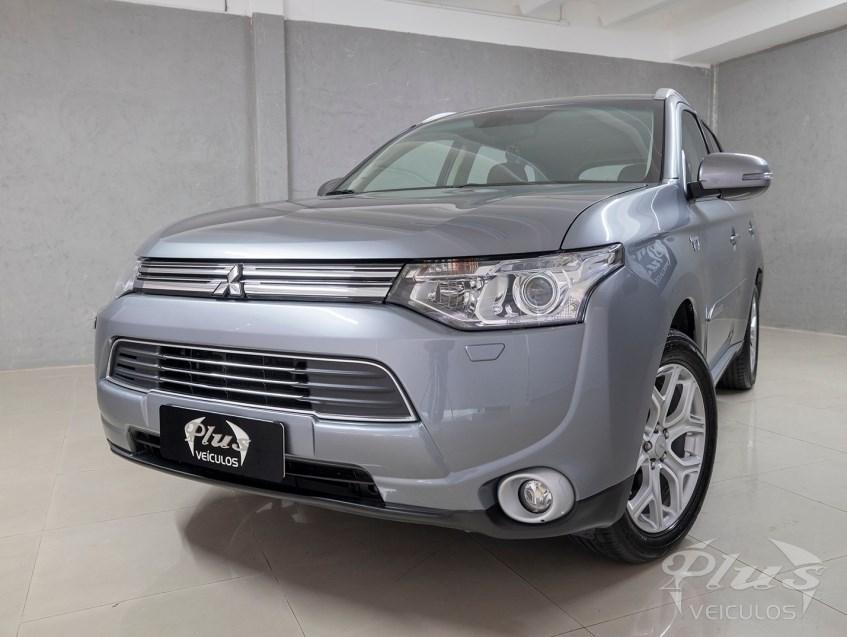 //www.autoline.com.br/carro/mitsubishi/outlander-30-v6-gt-24v-gasolina-4p-4x4-automatico/2015/porto-alegre-rs/14331281