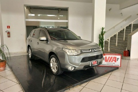 //www.autoline.com.br/carro/mitsubishi/outlander-20-16v-gasolina-4p-cvt/2015/guaratingueta-sp/14416380