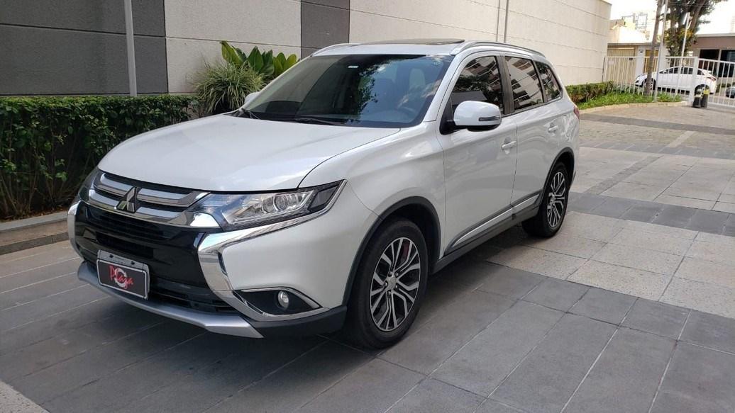 //www.autoline.com.br/carro/mitsubishi/outlander-20-16v-gasolina-4p-cvt/2017/sao-paulo-sp/14678894