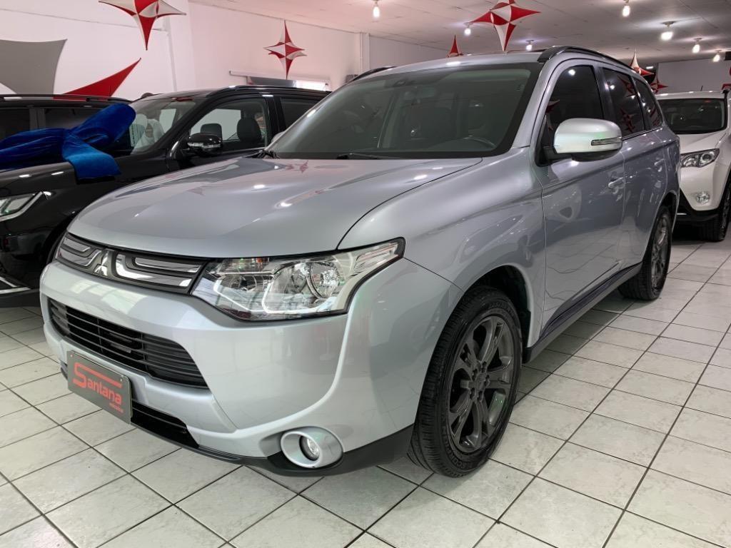 //www.autoline.com.br/carro/mitsubishi/outlander-20-16v-gasolina-4p-cvt/2014/porto-alegre-rs/14782143