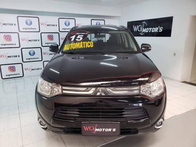 //www.autoline.com.br/carro/mitsubishi/outlander-20-16v-gasolina-4p-cvt/2015/sao-paulo-sp/14825337