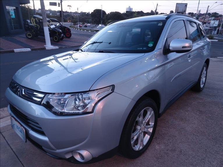 //www.autoline.com.br/carro/mitsubishi/outlander-20-16v-gasolina-4p-cvt/2015/campinas-sp/14851949