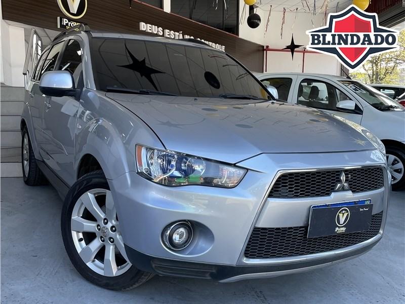 //www.autoline.com.br/carro/mitsubishi/outlander-30-v6-gt-24v-gasolina-4p-4x4-automatico/2012/mesquita-rj/15644475