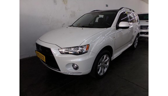 //www.autoline.com.br/carro/mitsubishi/outlander-30-gt4-24v-gasolina-4p-automatico-4x4/2013/sao-paulo-sp/6960062