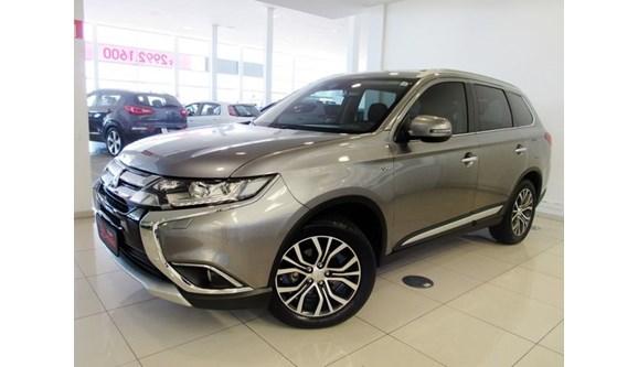 //www.autoline.com.br/carro/mitsubishi/outlander-30-gt-24v-gasolina-4p-automatico-4x4/2018/caxias-do-sul-rs/6983582