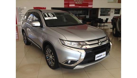 //www.autoline.com.br/carro/mitsubishi/outlander-20-16v-gasolina-4p-automatico/2016/jau-sp/7028733