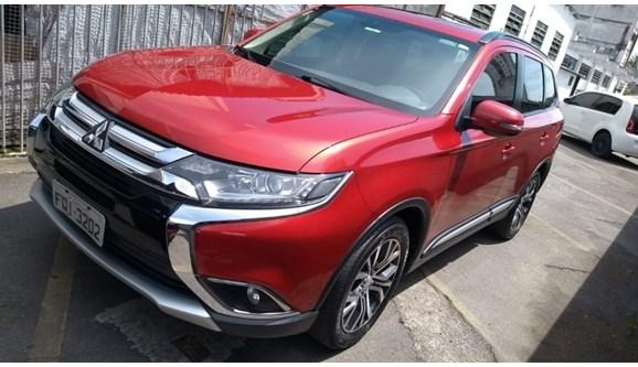 //www.autoline.com.br/carro/mitsubishi/outlander-20-16v-gasolina-4p-automatico/2016/sao-paulo-sp/7060735