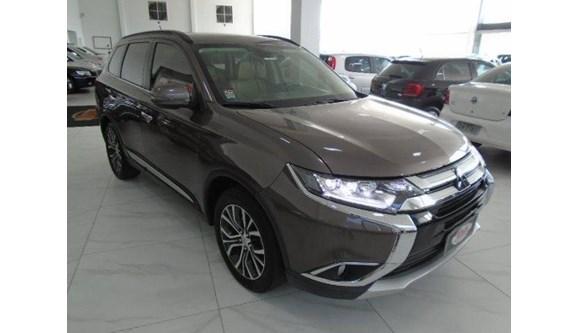 //www.autoline.com.br/carro/mitsubishi/outlander-22-16v-diesel-4p-automatico-4x4-turbo-interco/2016/sapiranga-rs/7328509