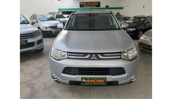 //www.autoline.com.br/carro/mitsubishi/outlander-20-16v-gasolina-4p-automatico/2015/sao-paulo-sp/8206969