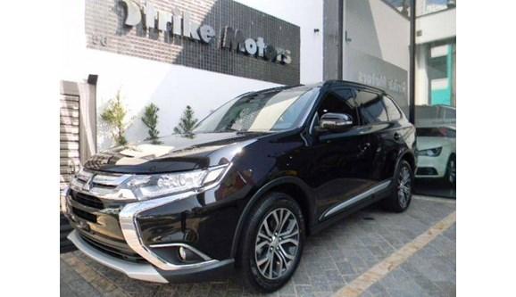 //www.autoline.com.br/carro/mitsubishi/outlander-22-hpe-s-16v-diesel-4p-automatico-4x4-turbo-i/2019/sao-paulo-sp/8393972