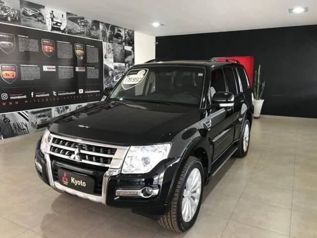//www.autoline.com.br/carro/mitsubishi/pajero-32-hpe-4x4-turbo-ic-195cv-4p-diesel-automatic/2017/ribeirao-preto-sp/13122717