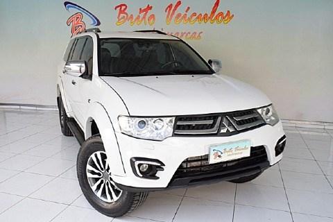 //www.autoline.com.br/carro/mitsubishi/pajero-32-16v-diesel-4p-4x4-turbo-automatico/2016/sao-paulo-sp/13876881
