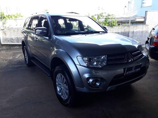 //www.autoline.com.br/carro/mitsubishi/pajero-dakar-32-hpe-16v-diesel-4p-4x4-turbo-automatico/2015/xanxere-sc/13093600