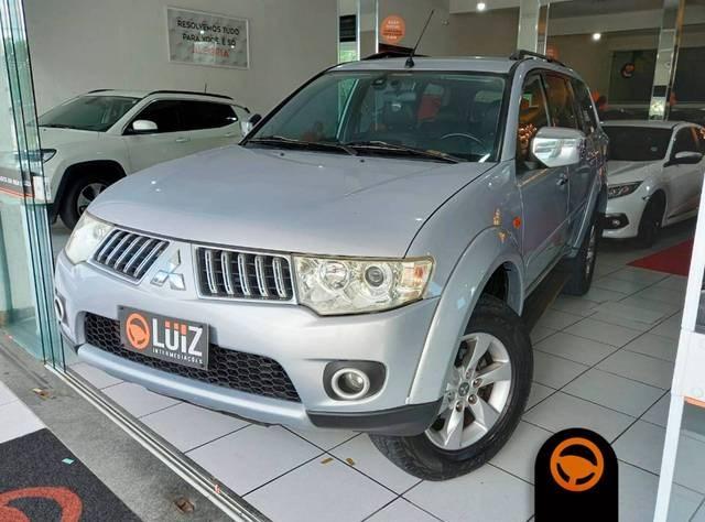 //www.autoline.com.br/carro/mitsubishi/pajero-dakar-32-hpe-16v-diesel-4p-automatico-4x4-turbo-int/2013/volta-redonda-rj/13624656