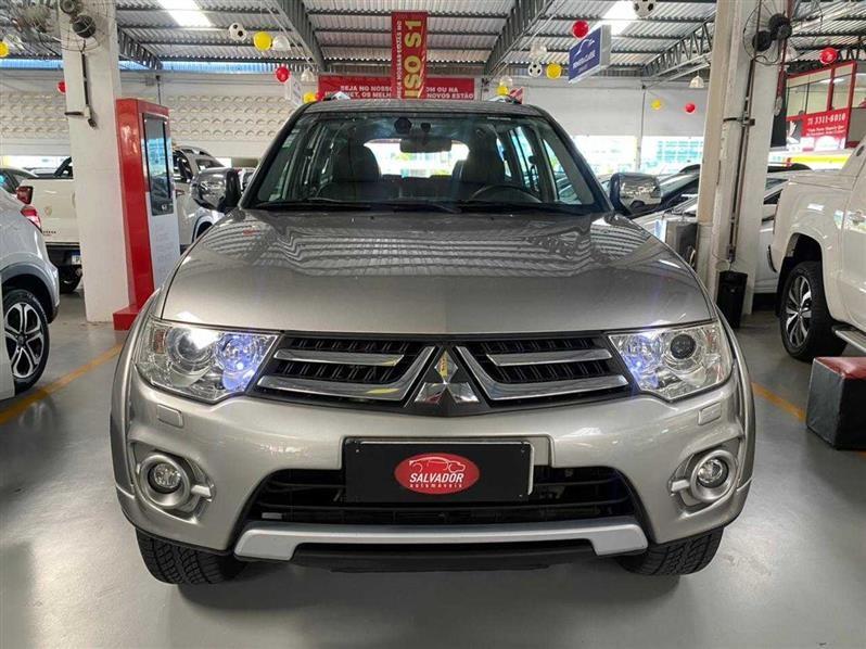 //www.autoline.com.br/carro/mitsubishi/pajero-dakar-35-hpe-24v-flex-4p-automatico-4x4/2016/salvador-ba/13999347
