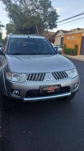 //www.autoline.com.br/carro/mitsubishi/pajero-dakar-32-hpe-16v-diesel-4p-4x4-turbo-automatico/2012/aracatuba-sp/14502631