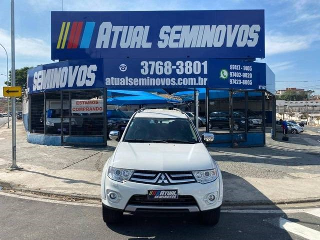 //www.autoline.com.br/carro/mitsubishi/pajero-dakar-32-hpe-16v-diesel-4p-4x4-turbo-automatico/2015/campinas-sp/14790075