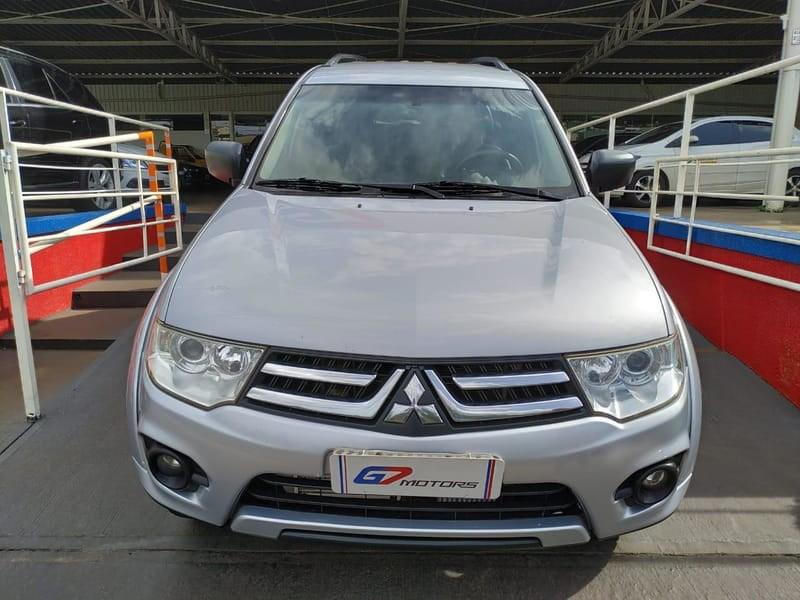 //www.autoline.com.br/carro/mitsubishi/pajero-dakar-32-16v-diesel-4p-4x4-turbo-automatico/2015/ribeirao-preto-sp/14885557