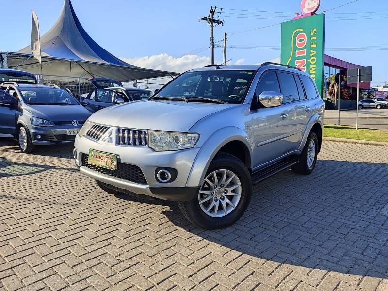 //www.autoline.com.br/carro/mitsubishi/pajero-dakar-32-16v-diesel-4p-4x4-turbo-automatico/2011/criciuma-sc/14906352