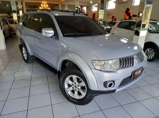 //www.autoline.com.br/carro/mitsubishi/pajero-dakar-32-hpe-16v-diesel-4p-4x4-turbo-automatico/2012/volta-redonda-rj/15089222