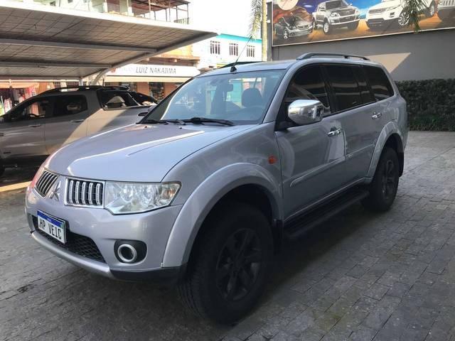 //www.autoline.com.br/carro/mitsubishi/pajero-dakar-32-hpe-16v-diesel-4p-4x4-turbo-automatico/2012/registro-sp/15653800
