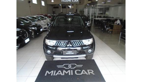 //www.autoline.com.br/carro/mitsubishi/pajero-dakar-35-hpe-24v-flex-4p-automatico-4x4/2012/londrina-pr/6983328