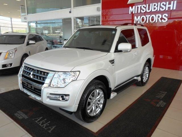 //www.autoline.com.br/carro/mitsubishi/pajero-full-32-16v-diesel-2p-automatico-4x4-turbo-interco/2020/montes-claros-mg/12051976