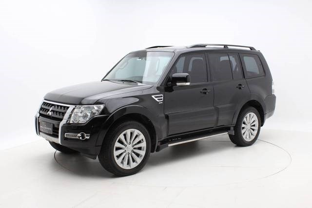 //www.autoline.com.br/carro/mitsubishi/pajero-full-32-hpe-16v-diesel-4p-automatico-4x4-turbo-int/2017/belo-horizonte-mg/12987697