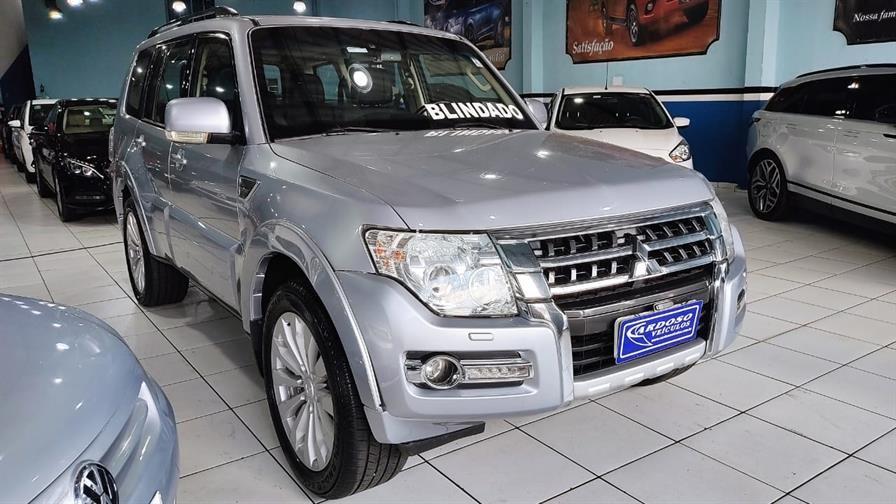 //www.autoline.com.br/carro/mitsubishi/pajero-full-38-v6-hpe-24v-gasolina-4p-4x4-automatico/2016/carapicuiba-sp/14789121
