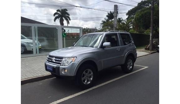 //www.autoline.com.br/carro/mitsubishi/pajero-full-38-hpe-v6-250cv-4p-automatico/2010/curitiba-pr/8288406