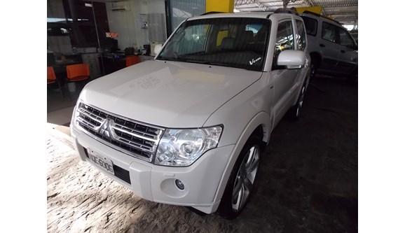 //www.autoline.com.br/carro/mitsubishi/pajero-full-32-hpe-16v-diesel-4p-automatico-4x4-turbo-int/2010/olinda-pe/4902295