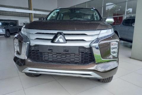 //www.autoline.com.br/carro/mitsubishi/pajero-sport-24-hpe-top-16v-diesel-4p-4x4-turbo-automatico/2020/recife-pe/14696952