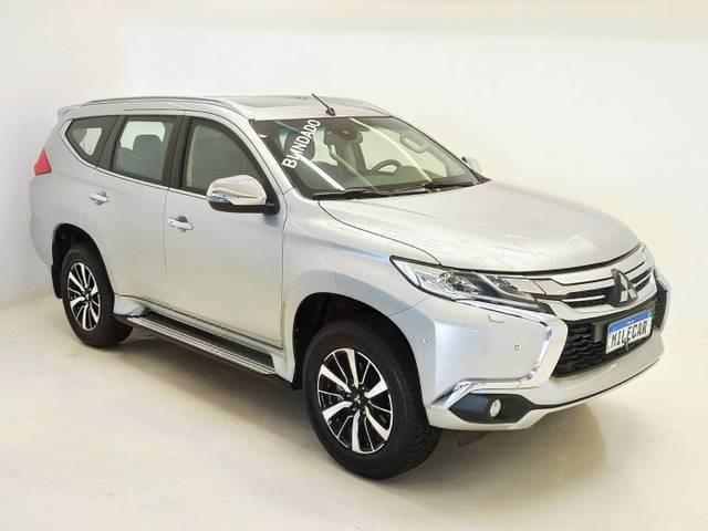 //www.autoline.com.br/carro/mitsubishi/pajero-sport-24-hpe-top-16v-diesel-4p-4x4-turbo-automatico/2020/sao-paulo-sp/14728409
