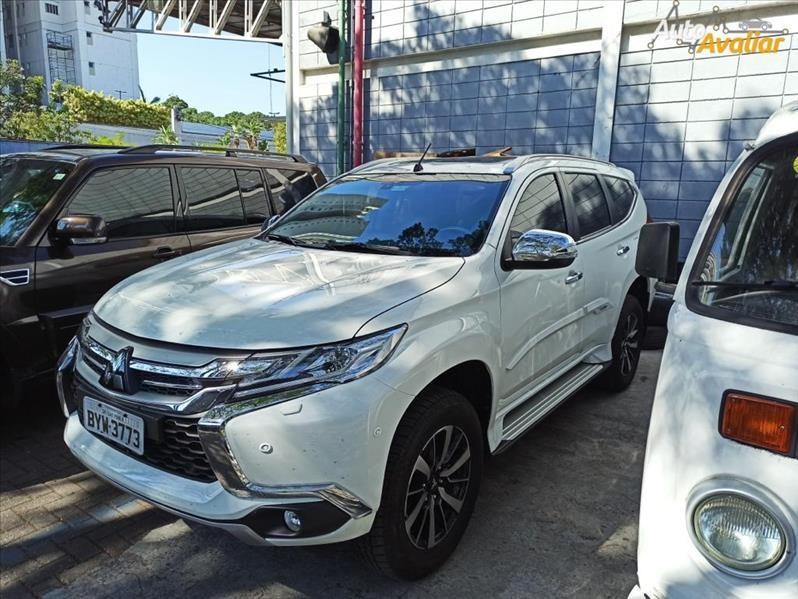 //www.autoline.com.br/carro/mitsubishi/pajero-sport-24-hpe-top-16v-diesel-4p-4x4-turbo-automatico/2020/sao-paulo-sp/14980989