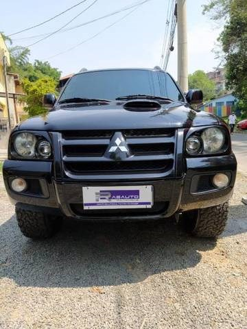//www.autoline.com.br/carro/mitsubishi/pajero-sport-35-v6-24v-flex-4p-4x4-automatico/2010/barueri-sp/15821410