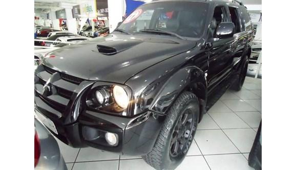 //www.autoline.com.br/carro/mitsubishi/pajero-sport-25-hpe-8v-diesel-4p-manual-4x4-turbo/2011/osasco-sp/7025259