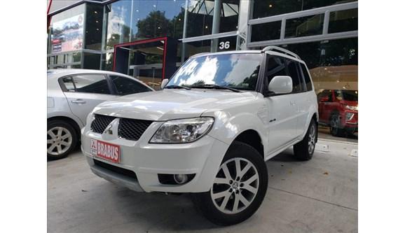 //www.autoline.com.br/carro/mitsubishi/pajero-tr4-20-4x4-16v-hp-131cv-4p-flex-automatico/2014/sao-paulo-sp/11105640