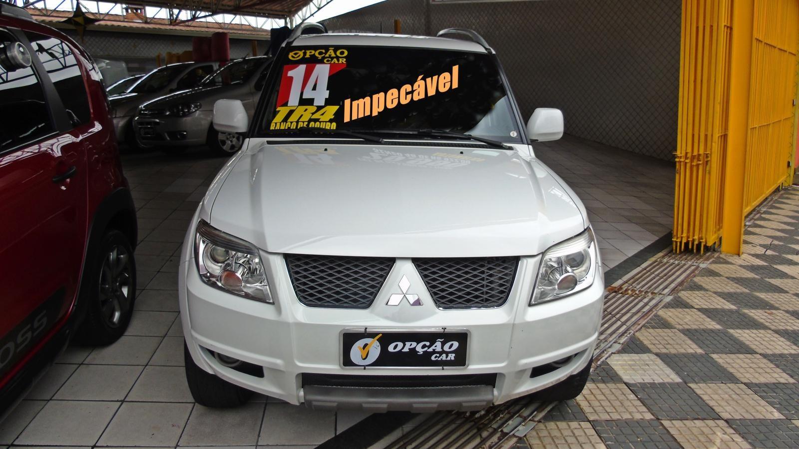//www.autoline.com.br/carro/mitsubishi/pajero-tr4-20-16v-flex-4p-automatico/2014/sao-paulo-sp/12748232