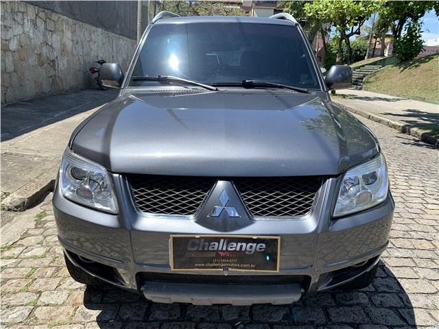 //www.autoline.com.br/carro/mitsubishi/pajero-tr4-20-16v-flex-4p-automatico/2014/rio-de-janeiro-rj/12776569