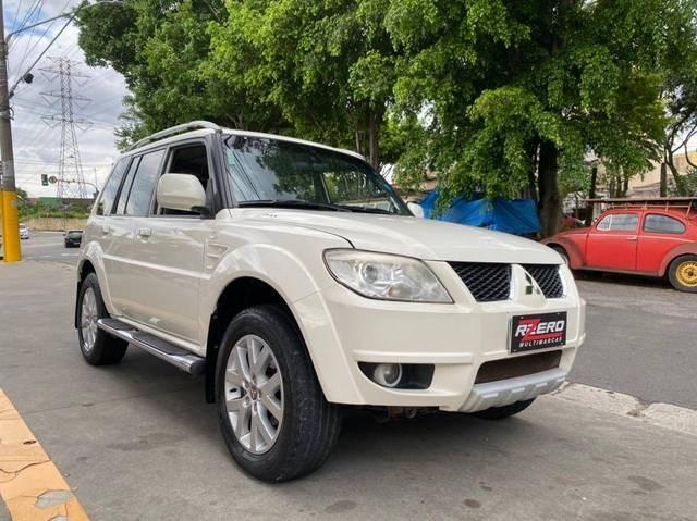 //www.autoline.com.br/carro/mitsubishi/pajero-tr4-20-4x2-16v-hp-131cv-4p-flex-automatico/2011/sao-paulo-sp/14570481