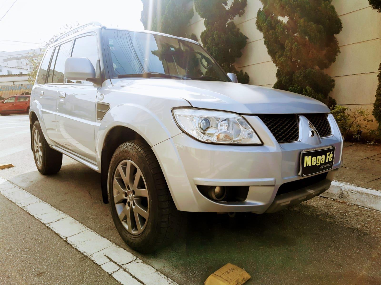 //www.autoline.com.br/carro/mitsubishi/pajero-tr4-20-16v-flex-4p-automatico/2013/sao-paulo-sp/15758978