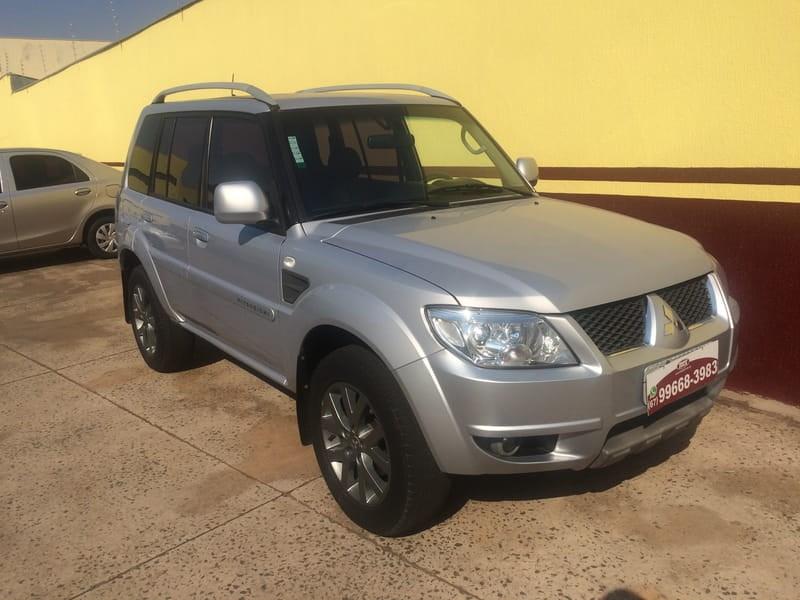 //www.autoline.com.br/carro/mitsubishi/pajero-tr4-20-16v-flex-4p-automatico/2014/campo-grande-ms/9271687